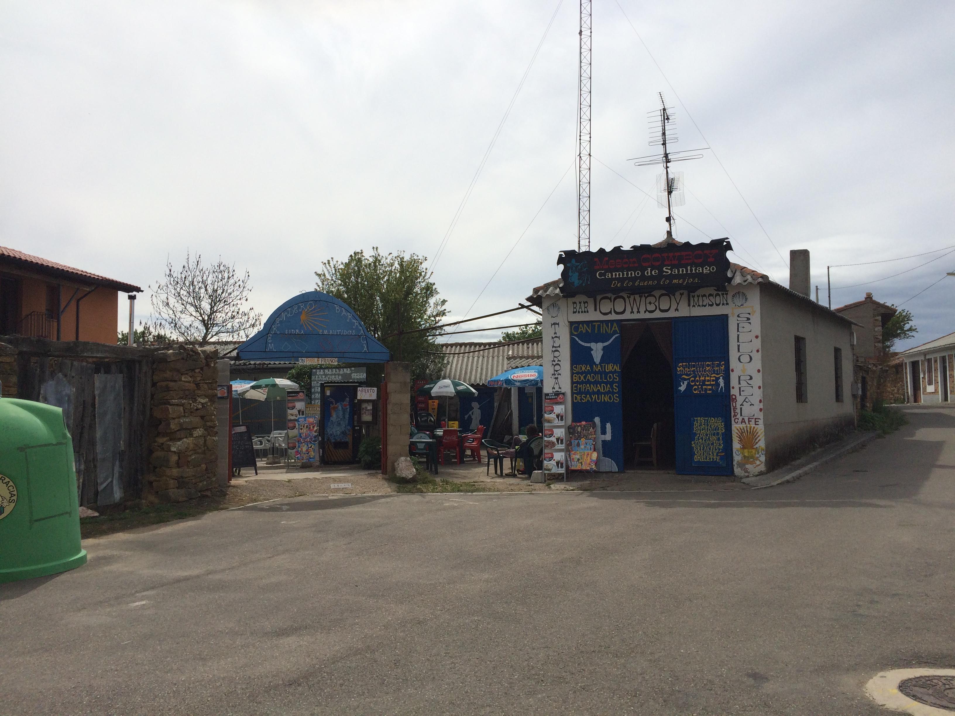 Day 32 - Santibáñez de Valdeiglesia to Rabanal del Camino - June 5, 2017